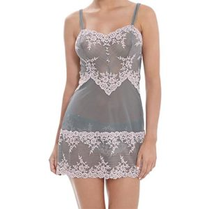 wacoal-embrace lace chemise-frostpink